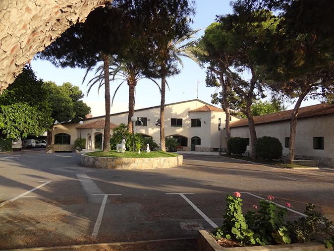 fachada edificio 3 hospital veterinario san vicente